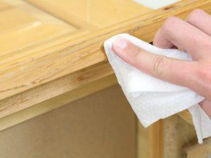 پاک کردن چسب های اضافی