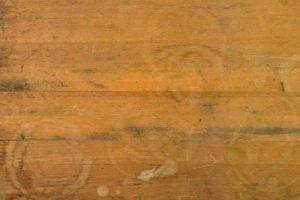 روش پاک کردن لکه آب از روی مبلمان چوبی